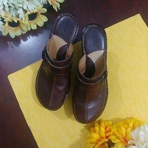 Born Leather Buckle Clog Mule Heel size 8